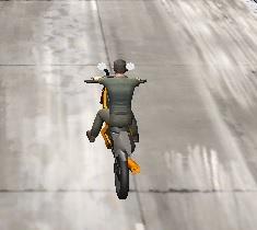 karlı yolda motor yarışı