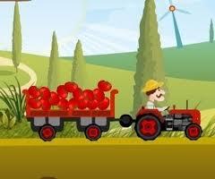 traktörle çiftliğe yük taşıma